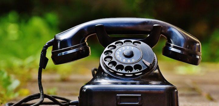 Call ordinary phone with international calling app